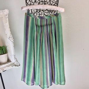 Lovely Striped pin tuck midi skirt petite 6-8